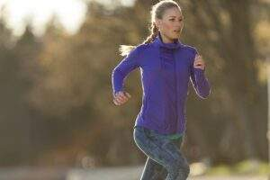 donne che corre a digiuno
