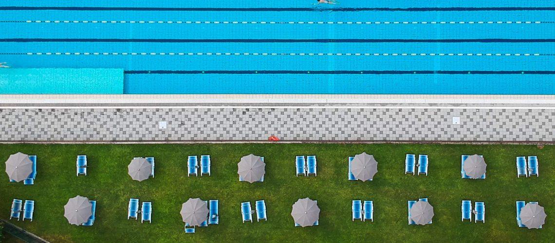 sotto l'ombrellone piscina sestri levante